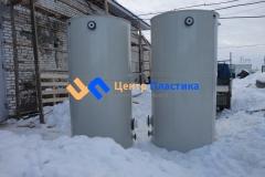 Фото №3. Емкости из ПП для питьевой воды с уровнемером Ø1,4 h 2.7 м. (Вид 3)