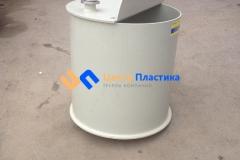 Фото №2. Емкость цилиндрическая из ПП для питьевой воды с крышкой на петлях. (Вид 2)