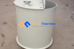 Фото №4. Емкость цилиндрическая из ПП для питьевой воды с крышкой на петлях. (Вид 4)