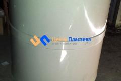 Фото №2. Емкость для хранения и утилизации отработанного масла в автосервисе. (Вид 2)