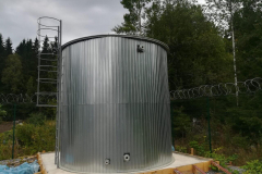 Фото полипропиленовой емкости для ГВС 95 градусов, на 50 м³ Ø4000 Н 4000  емкость полностью утеплена и облицована (30.08.19)