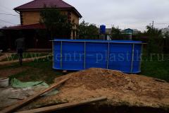 Объвязка полипропиленового бассейна металлической арматурой для внешнего бетонирования 1