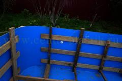 Установка распорок для бетонирования бассейна