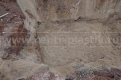 Фото 12. Песчаная подушка в котловане для установки системы очистки Юнилос-Астра с УФ и ПФ2