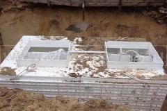 Фото 14. Монтаж системы очистки сточных вод в котлован