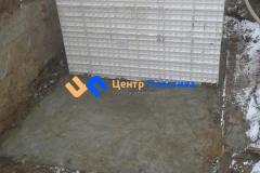 Установка первого блока системы очистки сточных вод Юнилос-Астра 100 на бетонное основание