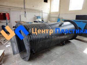 Полиэтиленовый вертикальный корпус диаметром 1500 мм высотой 3500 мм, для размещения насосной станции подачи питьевой воды в крематории
