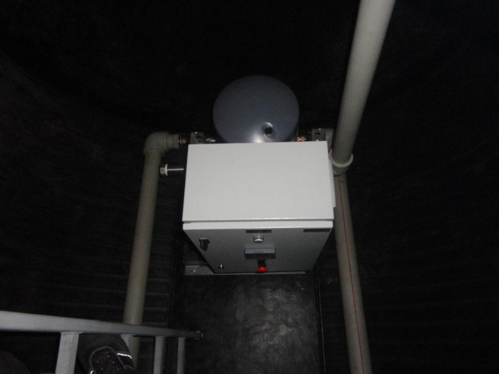 Насосная станция повышения давления, для питьевого водоснабжения жилых танхаусов, производительностью 20 м³/час напором 40 метров, с размещением в сухом отделении подземной пищевой емкости объемом 20 м³ с внутренней обвязкой. (вид сверху)