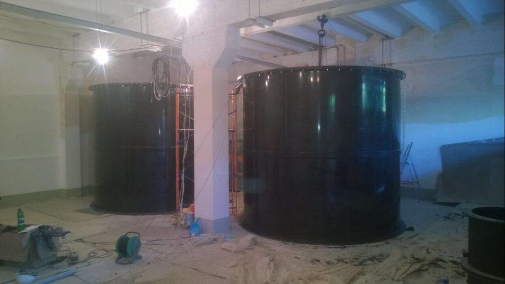 Емкость для хранения жидкого каустика объемом 25 м³